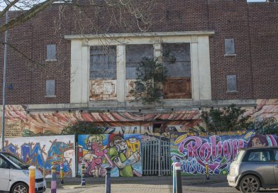 Work to remove asbestos from old cinema begins – demolition in January
